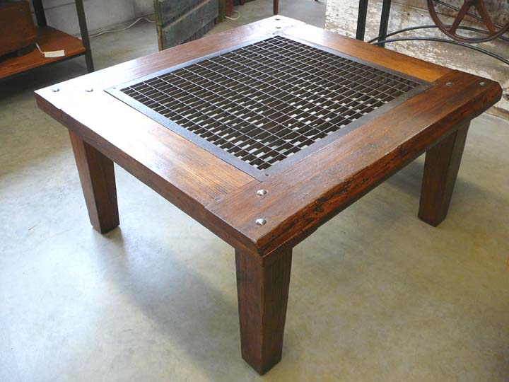 CT-47 Coffee Table with Large Grate