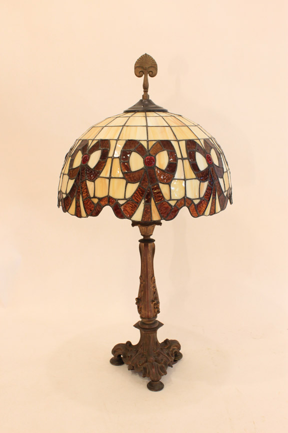 CS-90 Antique Stained Glass Lamp